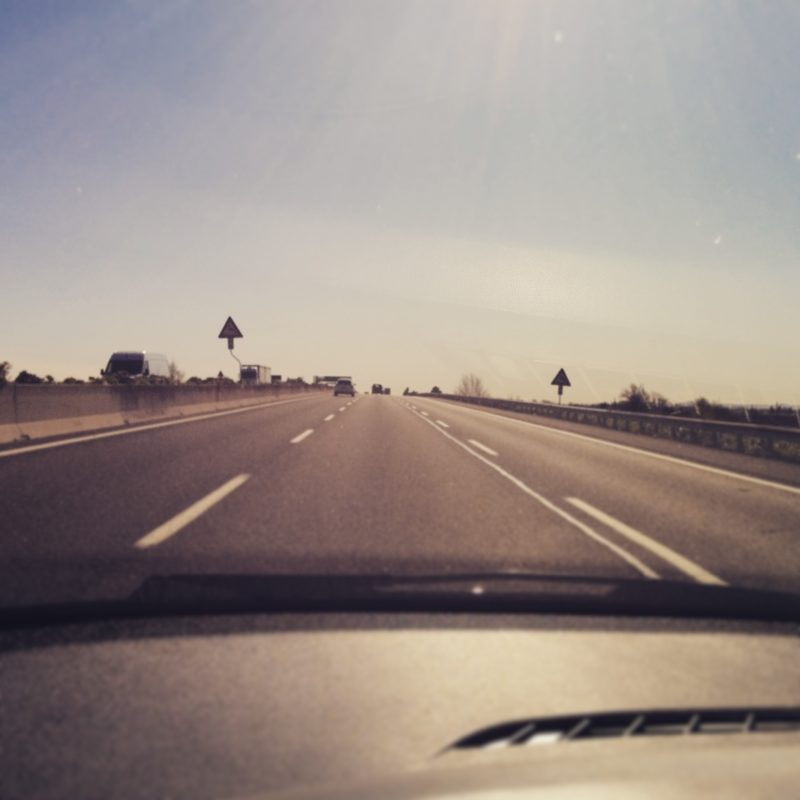 Le 7 cose che ho imparato guidando da sola per 10 ore